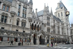 LONDON_ROYAL-COURTS